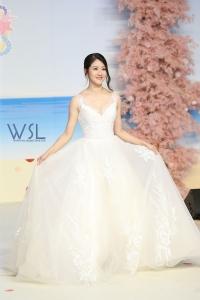 鄧佩儀 @第95屆香港結婚節暨夏日婚紗展 (818 views)